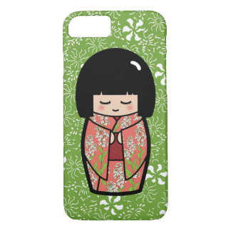 かわいいのKokeshiの(緑の)日本のな人形 iPhone 7ケース