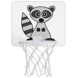 かわいいアライグマの漫画 ミニバスケットボールゴール