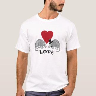かわいいアルマジロ愛 Tシャツ