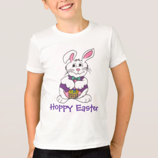かわいいイースターのウサギ及びバスケットのティー Tシャツ