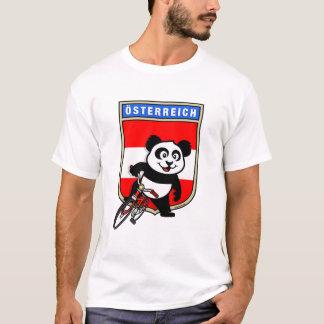 かわいいオーストリアのサイクリングのパンダ Tシャツ