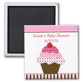 かわいいカップケーキのピンク及びブラウンのベビーシャワーの磁石 マグネット