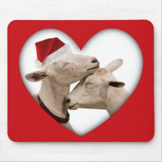かわいいクリスマスのヤギのカップル マウスパッド