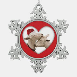 かわいいクリスマスの休日のヤギ愛 スノーフレークピューターオーナメント