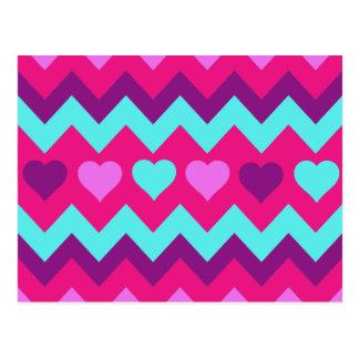 かわいいシェブロンのハートのピンクのティール(緑がかった色)の10代のな女の子のギフト ポストカード