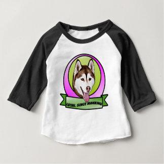 かわいいシベリアンハスキー犬 ベビーTシャツ