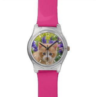 かわいいショウガ猫の子ネコの花いっぱいの庭-目盛板 腕時計