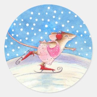 かわいいスケートで滑るのマウスのステッカー ラウンドシール