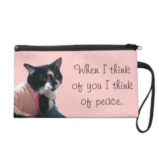 かわいいタキシード猫は平和リストレットの考えます リストレット