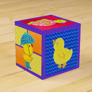 かわいいダッキーの赤ん坊のギフト用の箱