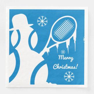 かわいいテニス・ボールの雪だるまの冬のクリスマスの休日