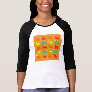 かわいいディーノパターン歩くの恐竜 Tシャツ