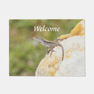 かわいいトカゲのanoleの歓迎の玄関マット ドアマット