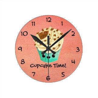 かわいいバニラチョコレートカップケーキ ラウンド壁時計