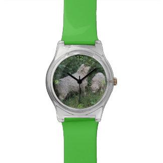 かわいいヒツジの食べ物の葉の腕時計 腕時計