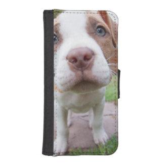 かわいいピット・ブル犬は近く機嫌を取ります iPhoneSE/5/5sウォレットケース
