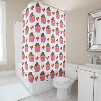 かわいいピンクのカップケーキおよびさくらんぼパターン シャワーカーテン
