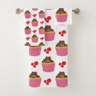 かわいいピンクのカップケーキおよびさくらんぼパターン バスタオルセット