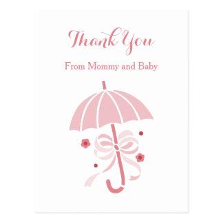 かわいいピンクの傘および弓ベビーシャワーは感謝していしています ポストカード