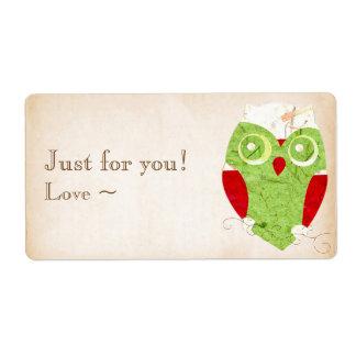 かわいいフクロウの冬の赤およびクリスマスの緑のコラージュ ラベル