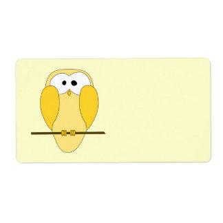 かわいいフクロウの漫画。 黄色 ラベル