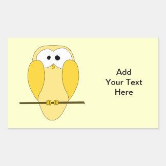 かわいいフクロウの漫画。 黄色 長方形シール