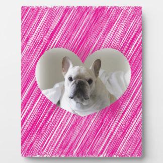 かわいいフレンチ・ブルドッグのピンクのハート フォトプラーク