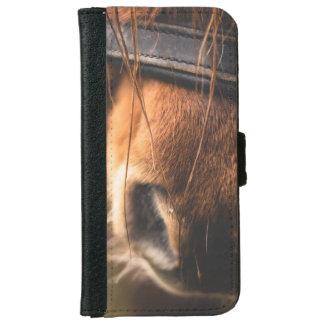かわいいブラウンの馬の鼻のクローズアップ iPhone 6/6S ウォレットケース