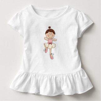 かわいいブルネットのバレリーナの女の子 トドラーTシャツ