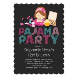 かわいいプレティーンのパジャマの誕生日のパーティの招待状 カード