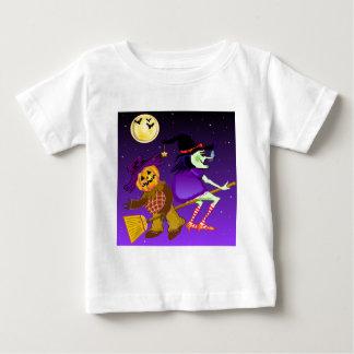 かわいいベビーの魔法使いのTシャツ ベビーTシャツ