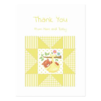 かわいいベビーは黄色いくまのキルトパターン感謝していしています ポストカード