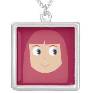 かわいいマンガのキャラクタの赤毛の女の子のカスタム シルバープレートネックレス