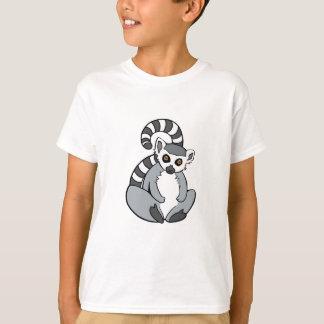 かわいいモデルによってリング後につかれるLemur Tシャツ