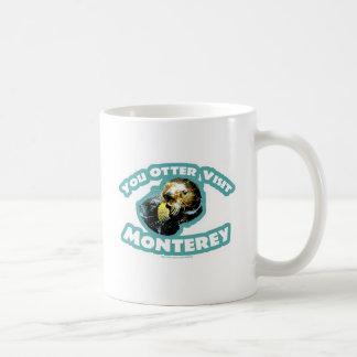かわいいモンテレーのカワウソ旅行 コーヒーマグカップ