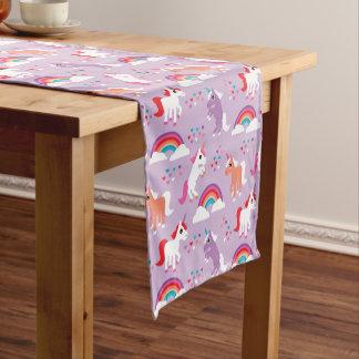 かわいいユニコーンの虹の紫色 ショートテーブルランナー
