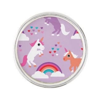 かわいいユニコーンの虹の紫色 ラペルピン