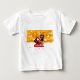 かわいいヨークシャテリアのメリークリスマス ベビーTシャツ