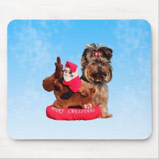 かわいいヨークシャテリアのメリークリスマス マウスパッド