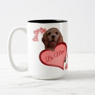 かわいいヴィンテージのコッカースパニエルのバレンタインのマグ ツートーンマグカップ