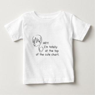 かわいい図表の幼児のTシャツの上 ベビーTシャツ
