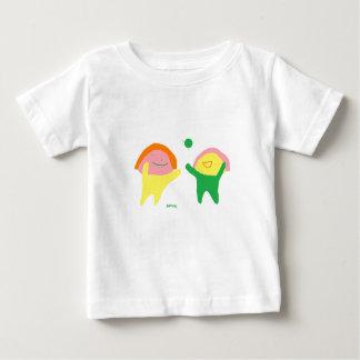 かわいい子供シャツは二人の子供 ベビーTシャツ