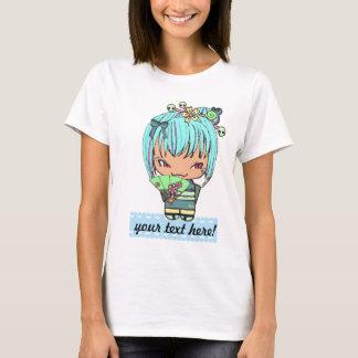かわいい子猫のkokeshiの人形の空色の白のワイシャツ tシャツ