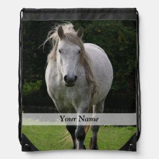 かわいい子馬の写真 ナップサック