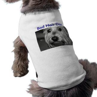かわいい小犬の衣類 ペット服