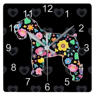 かわいい愛私のシュナウツァーの花柄 スクエア壁時計
