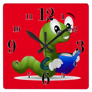 かわいい本の虫のアニマルプリントの子供 スクエア壁時計