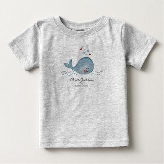 かわいい海のクジラ|の男の赤ちゃん|のTシャツ ベビーTシャツ