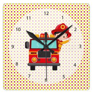 かわいい消防士 スクエア壁時計