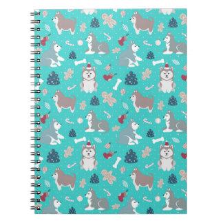 かわいい淡いブルーのクリスマスハスキーな犬のノート ノートブック